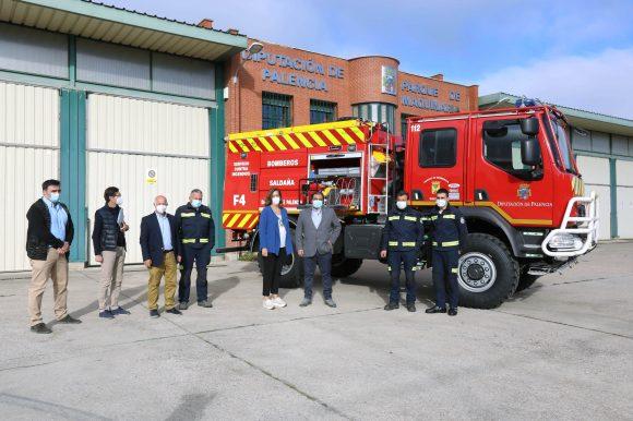 Diputación entrega un camión forestal al Ayuntamiento de Saldaña